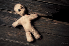 Voodoo doll (Fer Gregory) Tags: people sculpture white black men art halloween sign illustration mexicana danger warning canon dark dead mexico toy eos death 3d blood doll kill pin photographer power symbol artistic body witch background magic grunge traditional authority religion cartoon culture anger spooky mexican human disaster horror shock pierce deadman concept spirituality fotografia magical witchcraft mexicano voodoo fang satanic curse fotografo spells wizardry 40d fernandogregory canoneos40d canon40d fergregory fernandogregorymilan