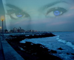 Unos ojos te observan, Mar del Plata!!... (conejo721*) Tags: costa argentina ojos cielo palabras mardelplata poesía poema sentimientos conejo721
