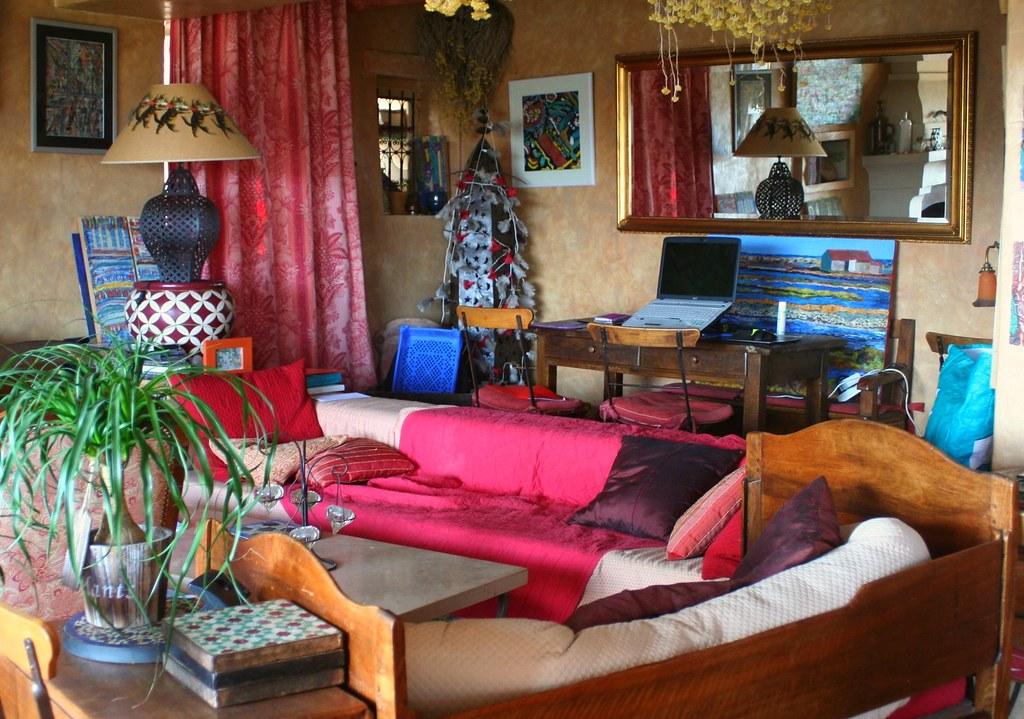 Salon,  La Maison aux volets bleus, Venasque