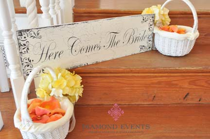 Here comes the bride sign at Whitehall Manor