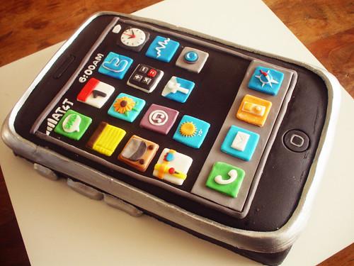 Bolo iPhone (iPhone Cake!) contato@dentrodoforno.com
