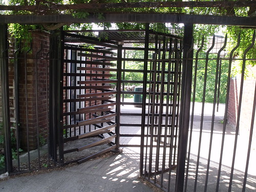 Turnstile on London Zoo from Prince Albert Road