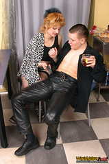 Alexander der Leder-Callboy (Lederjule) Tags: man male leather shoes russian schuhe leder lederhose leatherpants russe lederjeans