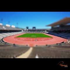 stadium (remography) Tags: blue red sky color green rot sports grass sport photo nikon foto stadium d70s gimp himmel crop gras grn blau stadion ts ausschnitt