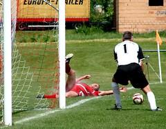 DSC09398 (fchmksfkcb) Tags: 2005 petersberg 1896 fsv kreisklasse nauendorf amateurfootball dieskau amateurfusball fsvnauendorf1896 fsvdieskau05