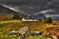 Moody Black Rock Cottage (Peter Sincock) Tags: 350d scotland sigma canoneos350d 1224mm rannochmoor buachailleetivemor blackrockcottage