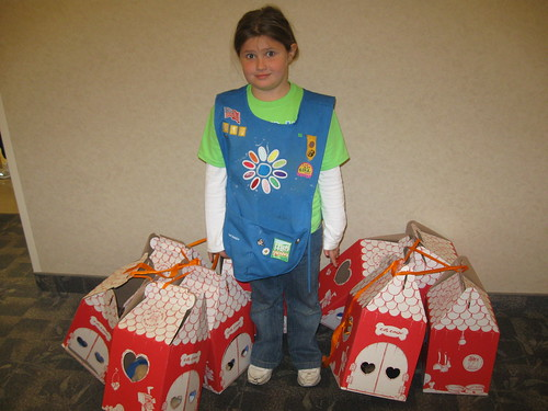 Girl Scout From Troop 612 Delivers Bears To Kids At Health Park Hospital