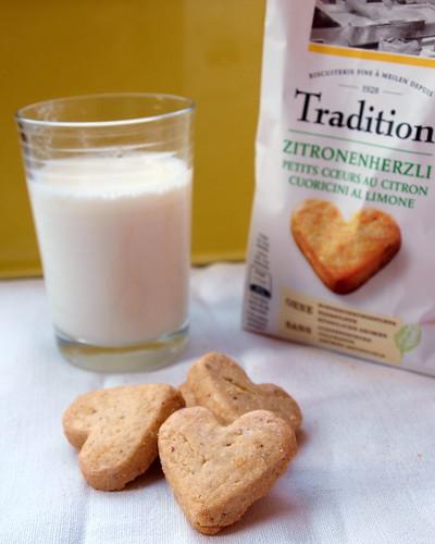 Zitronenherzli + Milch = Nachmittagsglück