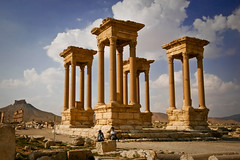 Tetrapylon (Lil [Kristen Elsby]) Tags: history topf25 architecture ancient ruins desert roman columns middleeast wideangle unescoworldheritagesite oasis granite syria topv3333 palmyra romanempire travelphotography tetrapylon tadmor tadmur