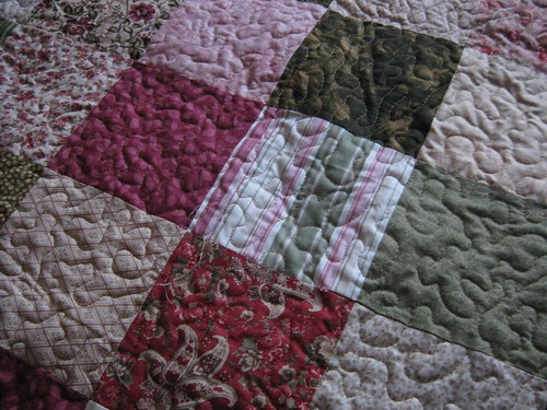 Quilting on the Guest Room Quilt