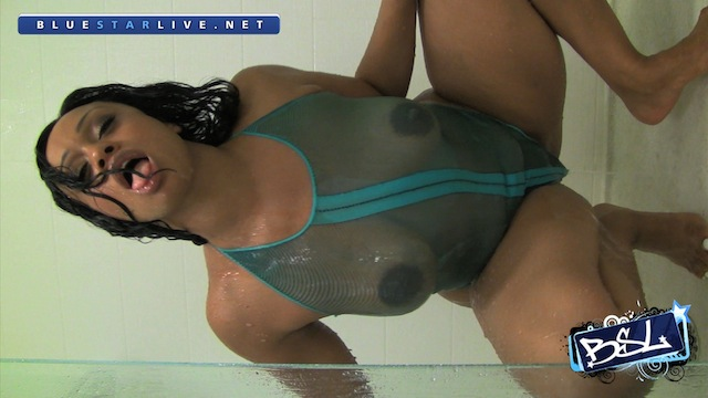 BSL - Cubana Lust - Shower 26