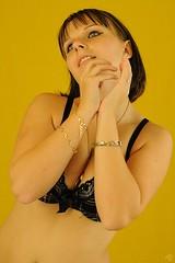 (Alain Pr) Tags: girl jaune pre alp fille aubade