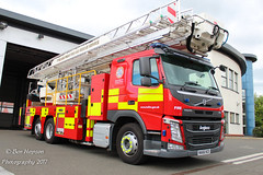 NA66 NZD (Ben Hopson) Tags: tyne wear fire rescue service ariel ladder platform gateshead community station base firefighters new 66 thank you