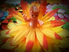 No clothes : Mother panics : Flower Power (Oh.Great!) Tags: 3652017 smileonsaturdays tinytoys tinydoll smileonsaturday colouredflowers flowers fakeflowers australia 6ws
