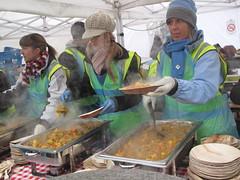 Feeding the 5000 (laurabillings) Tags: food london square lunch december feeding five trafalgar free curry waste 5000 16th 2009 thousand 5k feeding5korg