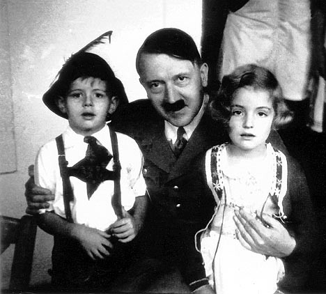 hitler-with-children