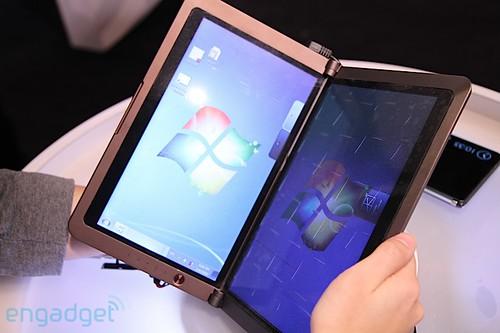 MSI Dual Screen Netbook E-Reader