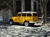Una estanciera de amarillo (Upper Uhs) Tags: city cidade yellow uruguay ciudad amarillo amarelo montevideo cittá estanciera