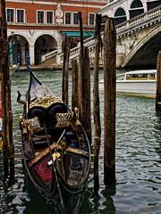 e ondeggia addormentato sul canale (Javier Enjuto Garca) Tags: venice italia olympus venecia venezia e510 roybatty ysplix enjuto javierenjuto javierenjutogarca