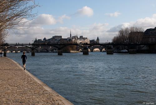 Un dimande le long de la Seine -1-