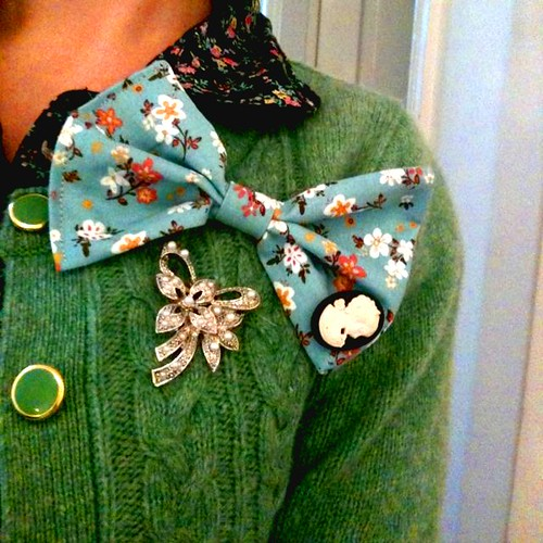 "Over Sized, ""I Feel Pretty"" Bow Brooch"