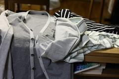 長袖Tシャツやカーディガン