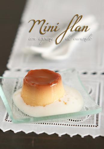 Miniflan con espuma de caramelo