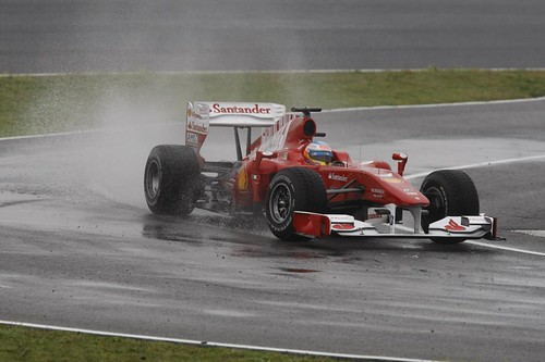 Alonso finds little grip in Jerez