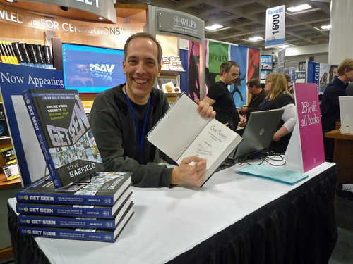 Book Signing at Wiley Booth Macworld 2010