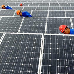 1332-financial-crisis-paves-the-way-for-china-solar-giants