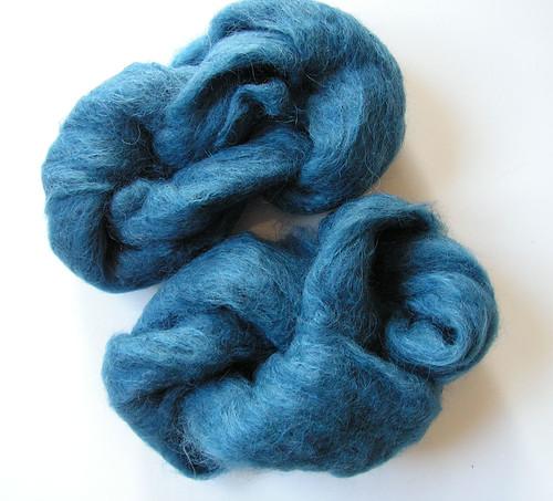 Laine-grattee-bleue