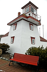 DGJ_5041 - Fort Point Lighthouse - 1855 (archer10 (Dennis) (66M Views)) Tags: world lighthouse sign liverpool lights nikon novascotia free historic route fortpoint dennis jarvis beacon d300 iamcanadian 18200vr 70300mmvr lighthouseroute dennisjarvis archer10 dennisgjarvis wbnawcnns