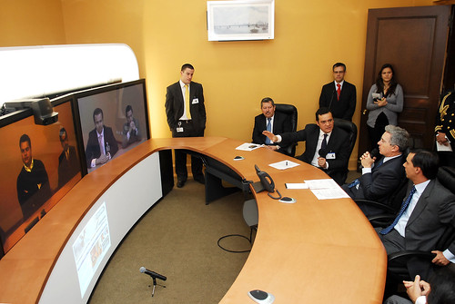 President Uribe of Colombia experiences Cisco TelePresence
