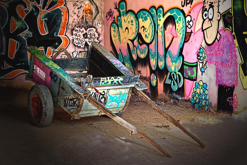 Graffittis en el Seminario - Manolo, aquí está tu carro (tuneado)