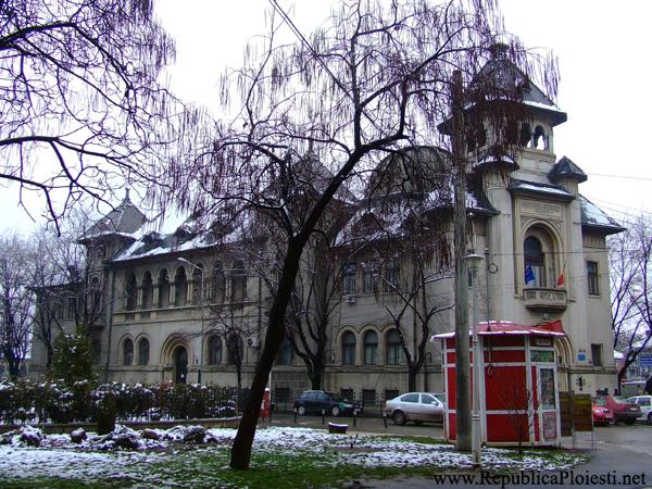 Palatul Administratiei Financiare - 2010 - 1