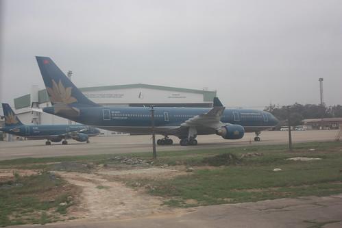 Hanoi Airport - Vietnam Airlines Plane