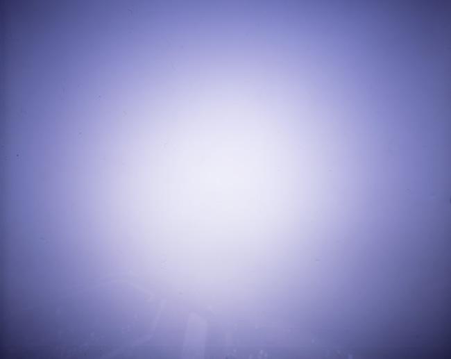 この写真をクリックすると、私のフリッカー掲載サイトのページが別ウィンドウで開きます。http://www.flickr.com/photos/harianabito/4437921519/「秋田土崎  2:外は猛吹雪状態」なお、この画像より小さなものとなります。