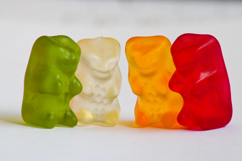 In agreement: Some macro experiments: Gummi Bears