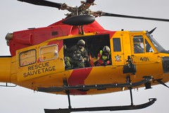 424 Griffin (Peter Brown 130J_TCM) Tags: rescue ontario search force bell aviation air tiger wing 8 canadian griffin caf cf forces trenton 412 ch146 cfb cytr 146491