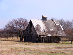 Picture 005 (jdawn1982) Tags: abandoned barn march springbreak kansas flinthills 2010 elmdale chasecounty