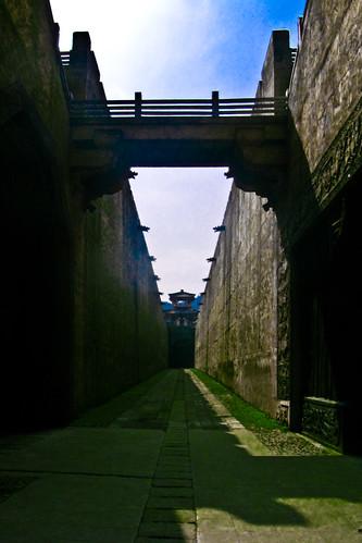 每次电影都有这里,项少龙被王翦追杀就在这里。貌似隋唐英雄传也用这城墙。