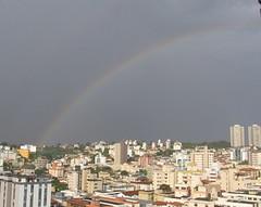 Cores de um dia cinza ! (Estefnia Zica) Tags: rainbow chuva arcoris belohorizonte nublado nuvem