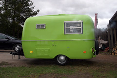 Boler Trailer (Bogart Ginty) Tags: green trailer sublime boler