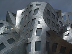 DSCF2306 (chicabrandita) Tags: building lasvegas gehry frankgehry clevelandclinic louruvocenterforbrainhealth
