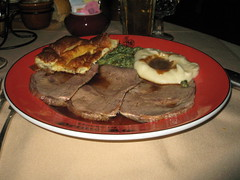 "The ""English"" cut at HOPR (hjus) Tags: sauce mashedpotatoes yorkshirepudding houseofprimerib primerib birthdaydinner creamedspinach englishcut hopr aujus mediumwell beefgravy aujussauce"