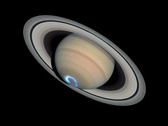 Saturn Aurora — January 28, 2004 (Credit: NASA, ESA)