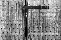 Break On Through (_Robert C_) Tags: door wood ny lines lock circles sigma rope statenisland thedoors d300 breakonthrough 2470mm gatewaynationalpark fortwadsworth robertcatalano