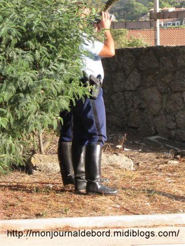 Gendarmes en bottes