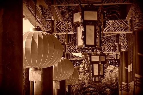chinese lantern 1 B&W