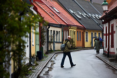 Mark browsing (Hkan Dahlstrm) Tags: street people house skne sweden sverige flickrmeet f28 2010 ystad ef200mmf28lusm canoneos5dmarkii sec skanelan upcoming:event=5767170